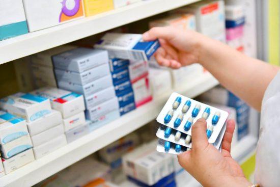 furti in farmacia estate turisti